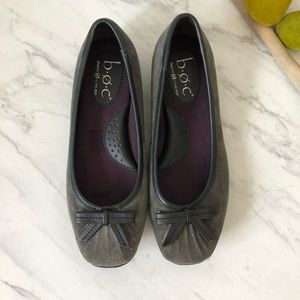 NWOT- BOC Gray Suede Slip-On Flats w/ bows- Size 7